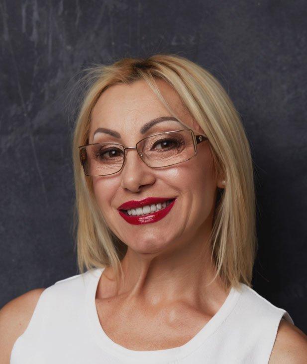 Lili, pacienta clinica dentara Premium Dental Arad