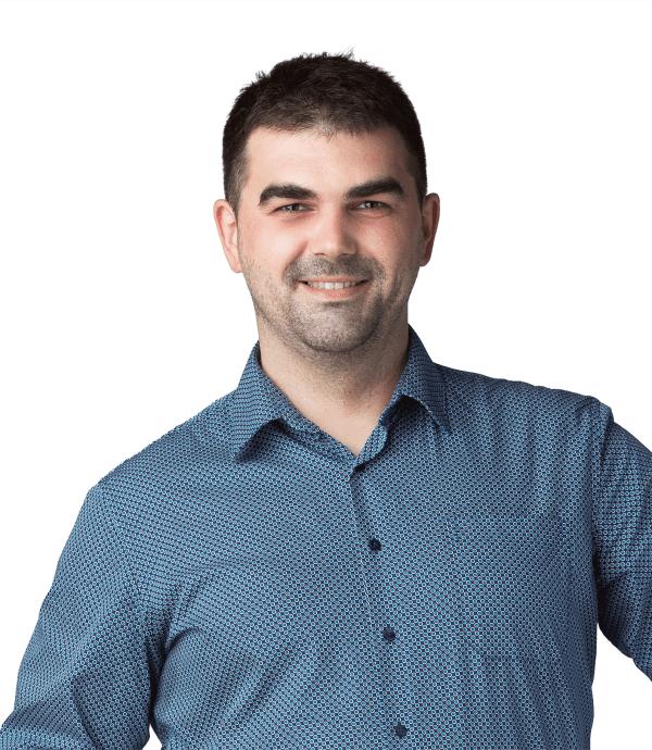 Paul Motorca - manager general @ Premium Dental