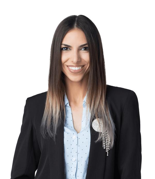 Alexandra Roșca - front desk @ Premium Dental Arad