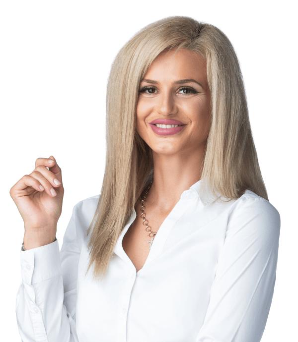 Andrada Porumb - front desk @ Premium Dental Arad