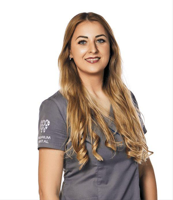 Adriana Jula @ Premium Dental