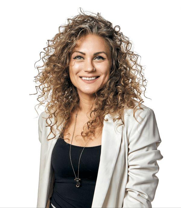 Cristina Tintoi @ Premium Dental